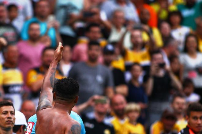Zé Carlos marca, Criciúma vence o Sampaio Corrêa e se mantém na Série B